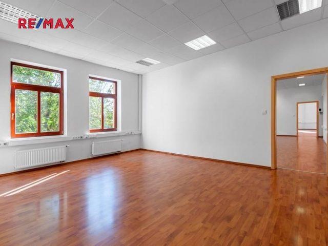 Pronájem kanceláří 144,86 m2, Praha 6 – Dejvice