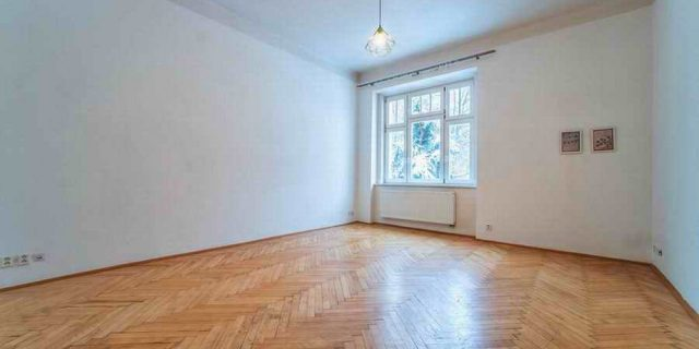 PRONAJATO Byt 2+1, 50 m2, Praha 6